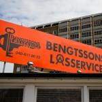 Bengtssons Låsservice - Skylt sedd från Amiralsgatan